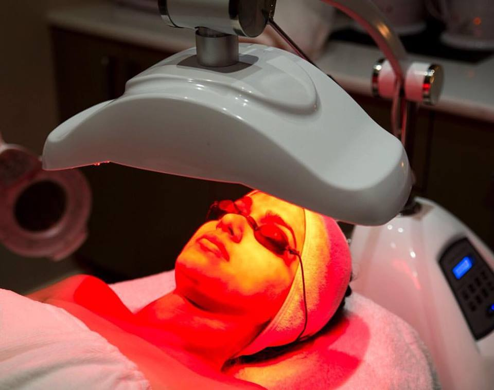 LED light therapy facial at Stolen Moment Beauty